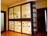 Фасад зеркало + пескоструй. Цена от 2500 грн/пог.м